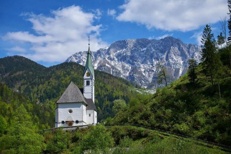 Cerkev Marije Snežne Solčava