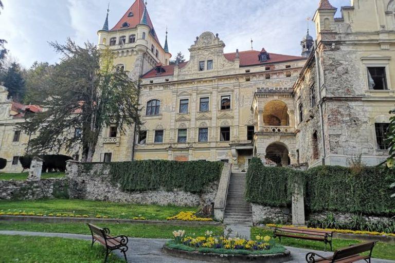 Grad in park Viltuš - Selnica ob Dravi