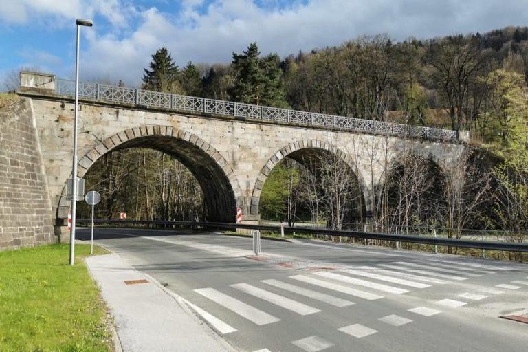 Železniški viadukt na Smolniku